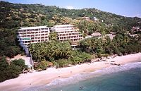 the Sotavento and Catalina hotels at Playa La Ropa