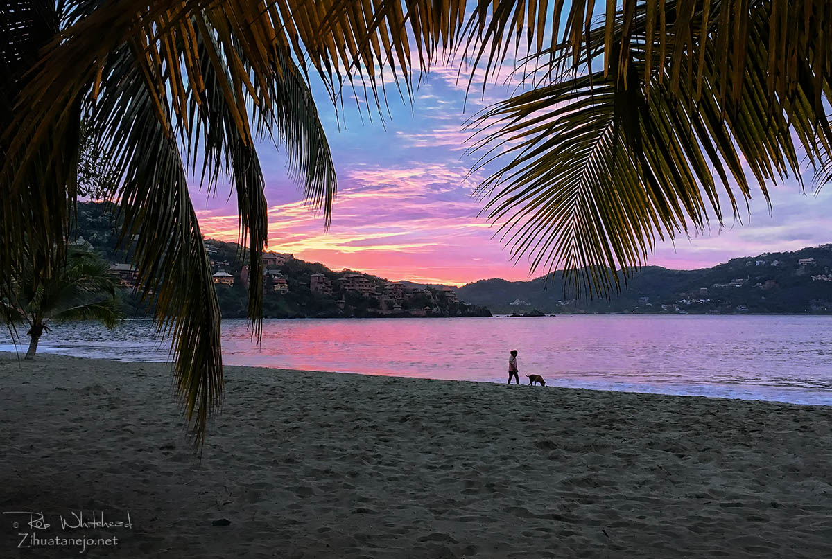 Sunrise on Playa Principal, Zihuatanejo Bay